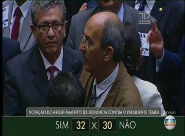 Rede Globo interrompe programação para transmitir votação de denúncia contra Temer