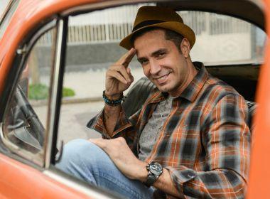 Latino vai atuar em filme 'Duas de Mim' fazendo um cover dele mesmo