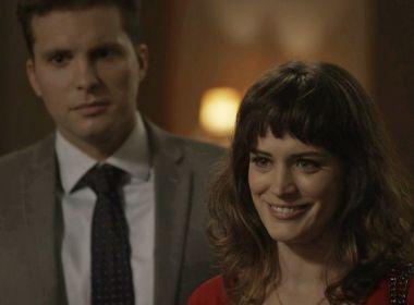 Com grande torcida na internet, Clara e Patrick darão 1º beijo em 'O Outro Lado'