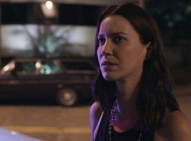 Para provar inocência, Júlia armará plano contra Alex em 'Rock story'