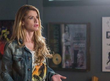 'Rock Story': segredo de Júlia será descoberto por Diana