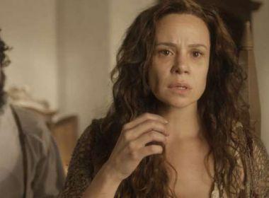 Amália descobre que seu filho está vivo e foi criado por freis em 'Novo Mundo'