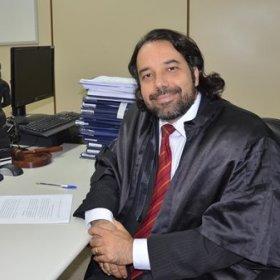 Rodolfo Pamplona faz palestra sobre direito e arte em evento na Unifcas
