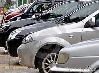 Motorista e filha serão indenizados por ficarem presos em estacionamento