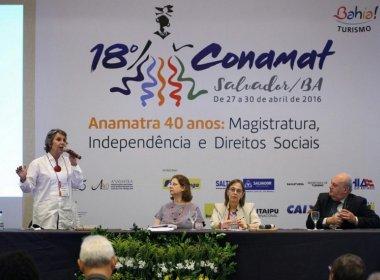 Deputada diz que Comissão de Direitos Humanos foi 'sequestrada pelos fundamentalistas'