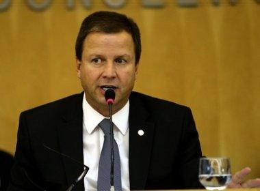 Presidente da OAB analisa ingressar com ação no STF contra suspensão de impeachment