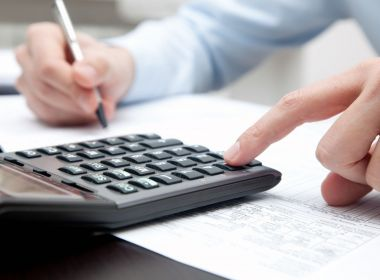 Paciente com câncer tem isenção do imposto de renda mesmo que não esteja aposentado