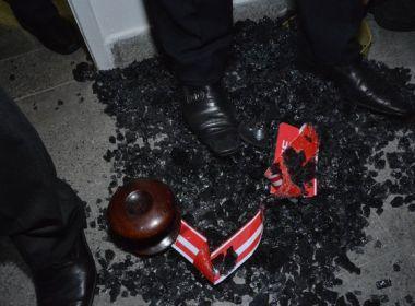 Sala da OAB no Fórum Criminal de Salvador é depredado em protesto durante inauguração