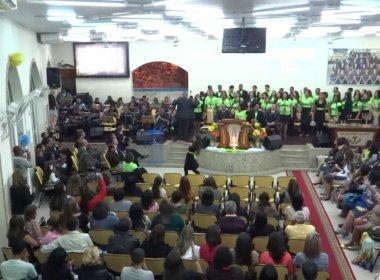 Fiéis da Assembleia de Deus são condenados a indenizar mulher por fofoca