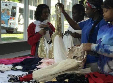 Ação doa vestidos de formatura para meninas com limitações financeiras