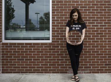 Projeto fotográfico retrata o vazio de perder um filho