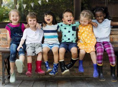 Comprimento de roupas infantis provoca mobilização na indústria de moda