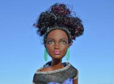 Garota cria ONG para distribuir bonecas negras para meninas carentes
