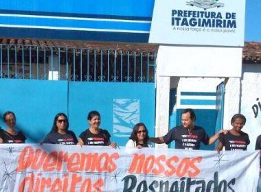 Itagimirim: Em greve, professores adiam volta às aulas e criticam corte de salários