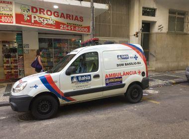 Ambulância de cidade baiana é flagrada em rua de Copacabana, no Rio de Janeiro