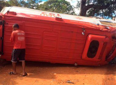 Livramento: Ambulância do Samu tomba a caminho de socorro a paciente em convulsão