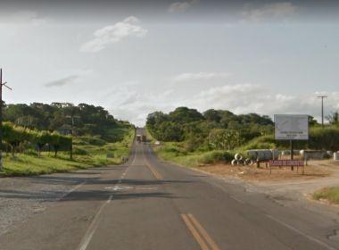 Itabuna: Corpo de travesti é encontrado com marcas de tiro na BR-101