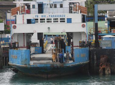 Ferry-boat apresenta falha no motor e fica parado no mar durante 50 minutos