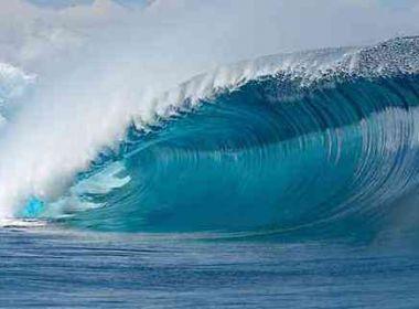 Litoral baiano terá ondas de até 4 metros no final de semana