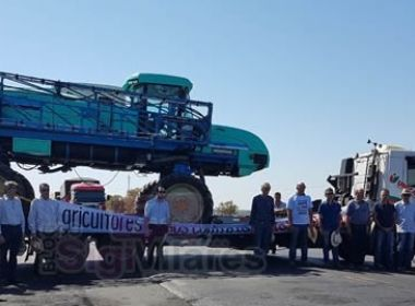 LEM: Fazendeiros fazem 'tratoraço' na BR-242 contra imposto e valor de combustíveis