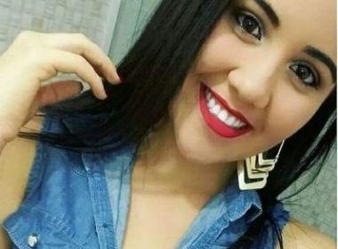 Jovem morre após moto colidir com poste; outra vítima está em estado grave