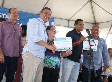 Castro Alves: Rui autoriza recuperação da BA-120 e entrega certificados para agricultores