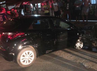 Itabuna: Dupla é presa após roubar carro e bater veículo em casa durante fuga