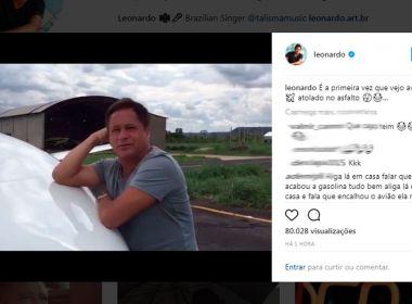 Barreiras: Jatinho de Leonardo atola em aeroporto; 'Choveu até atolar', brinca cantor