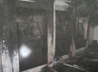 Alagoinhas: Incêndio atinge caixas eletrônicos de banco