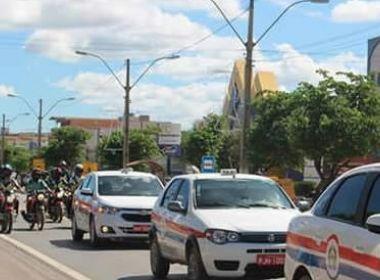 Barreiras: Taxista é achado morto após atender corrida; colegas protestam