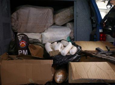 Camaçari: PM apreende meia tonelada de drogas, explosivos e munições