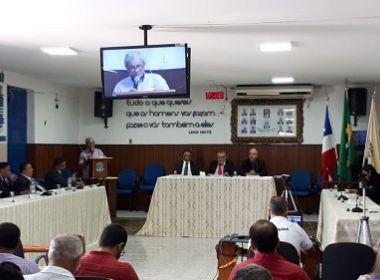 Ipiaú: Câmara rejeita por unanimidade projeto que estabeleceria 13º e férias para políticos