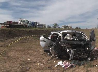 'Vi uma mãozinha pra cima', diz homem que salvou bebê que sobreviveu a acidente