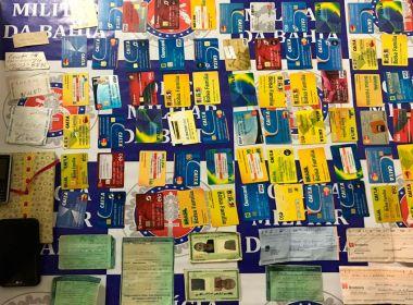 Glória: Acusado de agiotagem é preso com cartões do Bolsa Família