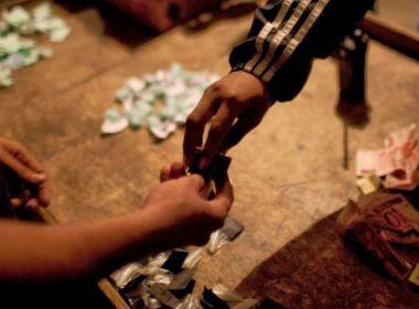 Traficante que escondia drogas em terreno baldio de Santo Antônio de Jesus é preso