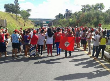 Em defesa de Lula, MST bloqueia nove rodovias na Bahia