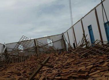 Medeiros Neto: Telhado de igreja desaba durante ensaio do coral