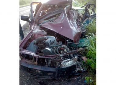 Motorista morre em acidente com caminhão na BR-242