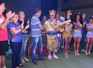 Carnaval de Barreiras começa com entrega de chave ao Rei Momo e show de Armandinho