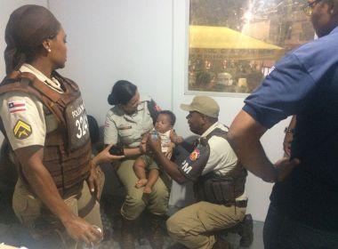 Lauro de Freitas: Bebê de 8 meses é resgatado pela PM no carnaval