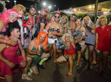 Barreiras: Travestidos se despedem do carnaval 2018