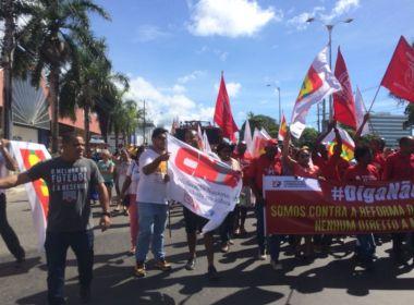 Lauro de Freitas: Manifestantes fazem ato contra reforma da previdência