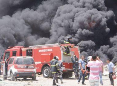 Feira: Incêndio atinge depósito em bairro de centro industrial