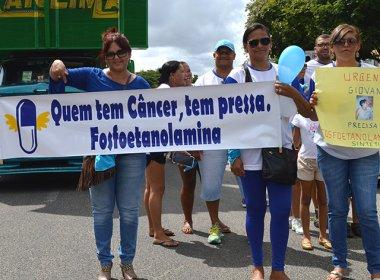 Caminhada pela liberação da 'pílula do câncer' é realizada em Feira de Santana