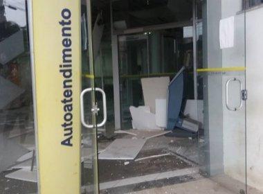 Coração de Maria: Quadrilha explode banco, cerca PM e arromba sede dos Correios