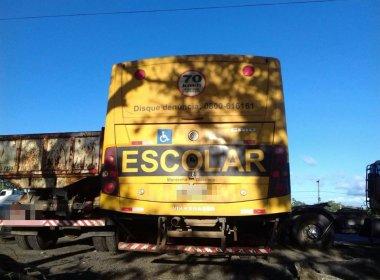 PRF apreende ônibus escolar que levava passageiros para festa junina