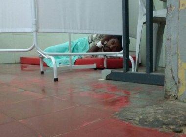 Jaguaquara: Foto de paciente no chão viraliza e hospital diz que é 'politicagem'