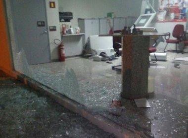 Chorrochó: Quadrilha faz reféns, atira em viatura e ataca agência bancária