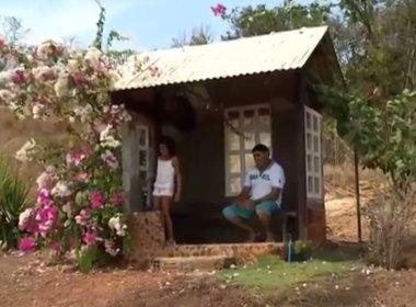 Pai constrói abrigo para filha não esperar ônibus na chuva em Tocantins