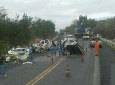 Três morrem em acidente na BR-242; candidato em Ibotirama fica ferido